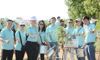 Chung tay 'Vì một Việt Nam xanh' tại chuỗi sự kiện bên lề Tiền Phong Marathon 2021