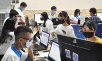 Sinh viên nhập học năm 2020 tại ĐH Mở Hà Nội. Ảnh: Diệp An