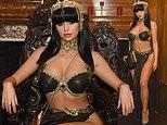 Demi Rose khoe đường cong 'bỏng rẫy' với tạo hình nữ hoàng Cleopatra