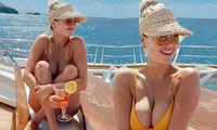 'Bom sex' Kate Upton khoe vòng 1 'bốc lửa' với áo tắm