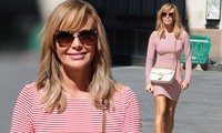 Amanda Holden lại 'thả rông' vòng 1 lộ điểm nhạy cảm trên phố, nhận nhiều chỉ trích