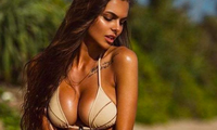 Sắc vóc siêu 'bốc lửa' của mẫu Playboy 9x người Nga