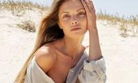 Mẫu 9x Alina Boyko gợi cảm mê mẩn với trang phục đi biển