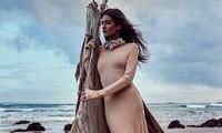 Sofia Reynal 'thả rông' táo bạo trên tạp chí