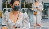 Katie Holmes trẻ trung bất ngờ trên phố với váy boho trễ nải
