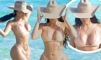 Kim Kardashian mặc bikini màu nude khoe đường cong 'nảy lửa'