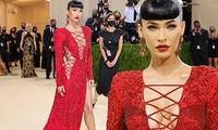 Megan Fox xứng danh 'nữ hoàng thảm đỏ' ở Met Gala với váy xẻ ngực sâu nóng bỏng