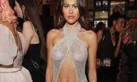 Amelia Hamlin nối gót Megan Fox, gây sốc khi mặc váy lưới lộ trọn vòng một ở sự kiện