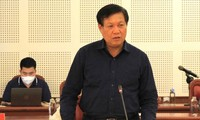 Thứ trưởng Bộ Y tế Đỗ Xuân Tuyên phát biểu chỉ đạo tại buổi làm việc.