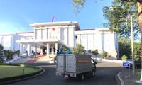 Quân đoàn 3 phun hoá chất khử khuẩn ở trụ sở UBND tỉnh Gia Lai.