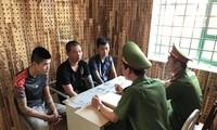 Công an làm việc với 3 đối tượng cho vay lãi nặng đến từ TP Hà Nội