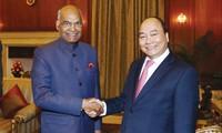 Thủ tướng Nguyễn Xuân Phúc hội kiến Tổng thống Ấn Độ Ram Nath Kovind. Ảnh: VGP.