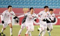 Niềm vui chiến thắng của U23 VN. Ảnh: Hữu Phạm.