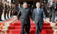 Lãnh đạo Triều Tiên và Hàn Quốc gặp nhau bất ngờ hôm 26/5 nhằm cứu vãn cuộc gặp thượng đỉnh Mỹ - Triều dự kiến ngày 12/6. Ảnh: Korea Times.