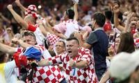 Chung kết World Cup: Màu áo caro và bàn cờ chiến thắng