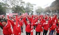 Sinh viên ĐHBK Hà Nội trong ngày hội hiến máu Chủ Nhật Đỏ sáng 21/1. Ảnh: Như Ý.