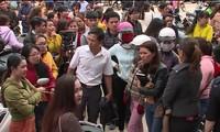 Vụ 500 giáo viên sắp mất việc: Họp khẩn, tạm ngừng chấm dứt