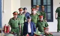 Đề nghị 7-8 năm tù hai cựu tướng công an
