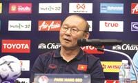 HLV Park Hang seo tại cuộc họp báo. Ảnh: HỮU PHẠM