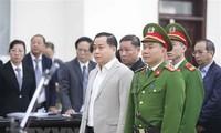 Bị cáo Phan Văn Anh Vũ tại phiên xét xử. (Ảnh: Doãn Tấn/TTXVN)