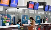 Thị trường 1/3: Vé máy bay rẻ hơn xe khách