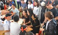 Sinh viên các dân tộc ở Đại học Tây Nguyên đăng ký hiến máu