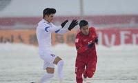 Yakhshiboev (trái) ở chung kết U23 châu Á
