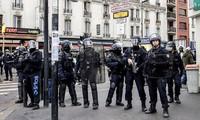 Cảnh sát Pháp trong những ngày qua