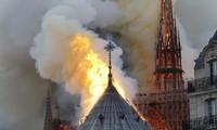 Vụ cháy Nhà thờ Đức Bà Paris buộc Tổng thống Pháp phải hủy bỏ cuộc họp báo nhằm đối phó với phong trào Áo vàng như đã lên kế hoạch