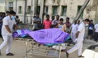 Lực lượng y tế nhanh chóng cấp cứu nạn nhân vụ đánh bom