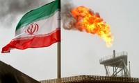 Mỹ vẫn tập trung cấm vận nhằm vào ngành xuất khẩu dầu - ngành hàng kinh tế chủ lực của Iran, gây lo ngại giá dầu thế giới sẽ tăng mạnh trong thời gian tới