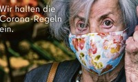 Bức áp phích về dịch COVID-19 đang gây tranh cãi gay gắt tại Đức. Ảnh: Visit Berlin.