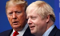 Thủ tướng Anh Boris Johnson và Tổng thống Mỹ Donald Trump trong một hội nghị thượng đỉnh của NATO vào năm 2019 (Ảnh minh họa).
