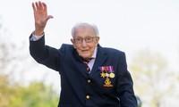 Đại úy Sir Thomas Moore, thường được biết đến với cái tên Đại úy Tom. Ảnh: BBC.
