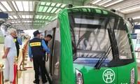 Đoàn tàu đã nhập về đủ cả năm nay nhưng đường sắt Cát Linh-Hà Đông vẫn chưa thể chở khách. Ảnh: A.Trọng
