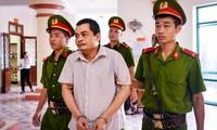 Bị cáo Nguyễn Thanh Hoài tới phiên tòa sơ thẩm ngày 18/9