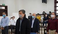 Bị cáo Nguyễn Bắc Son nói lời sau cùng. Ảnh: Nguyễn Hoàn