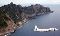 Một máy bay quân sự Nhật Bản bay qua quần đảo Senkaku/Điếu Ngư