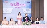 Tổng Biên tập, Nhà báo Lê Xuân Sơn - Trưởng ban Tổ chức HHVN 2020 trả lời báo chí tại họp báo