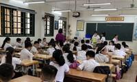 Nhiều người nói rằng, học sinh lớp 1 đang phải đánh vật với SGK Tiếng Việt