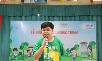 Đại sứ môi trường Nguyễn Như Khôi trong buổi tuyên truyền học sinh Thủ đô bảo vệ môi trường. Ảnh: CTV