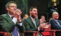 Chủ tịch Josep Bartomeu rời ghế sau mâu thuẫn với Lionel Messi