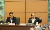 Thủ tướng Nguyễn Xuân Phúc phát biểu tại phiên thảo luận tổ ngày 2/11. Ảnh: Như Ý