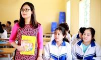 Cô giáo Hà Ánh Phượng kết nối học sinh dân tộc thiểu số với thế giới. ẢNH: NVCC