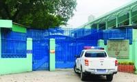 """Trung tâm Hỗtrợ xã hội TPHCM luôn """"kín cổng cao tường"""" nên người dân xung quanh rất khó biết những gì đang diễn ra bên trong. ảnh: H.T"""
