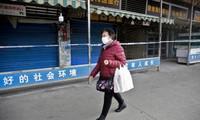 Khu chợ hải sản ở Vũ Hán bị đóng cửa sau khi phát hiện dịch bệnh mới. Ảnh: EPA