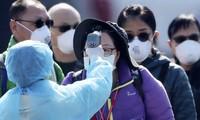 Nghiên cứu nói các nước có khí hậu ấm áp, ví như Singapore, có lợi thế hơn trong phòng chống dịch Covid-19. Ảnh: EPA