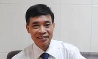 PGS-TS Phạm Văn Tình, Tổng thư ký Hội Ngôn ngữ học Việt Nam cho rằng: Vấn đề xưng hô trong nhà trường cần có một cuộc khảo sát chung trong xã hội, từ học sinh, giáo viên, phụ huynh. Ảnh:Internet