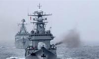 Tàu khu trục Trung Quốc tập trận bắn đạn thật. Ảnh: China.org.cn