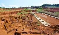 Một khu vực tại công trình khu công nghiệp Nhân Cơ bị sụt lún